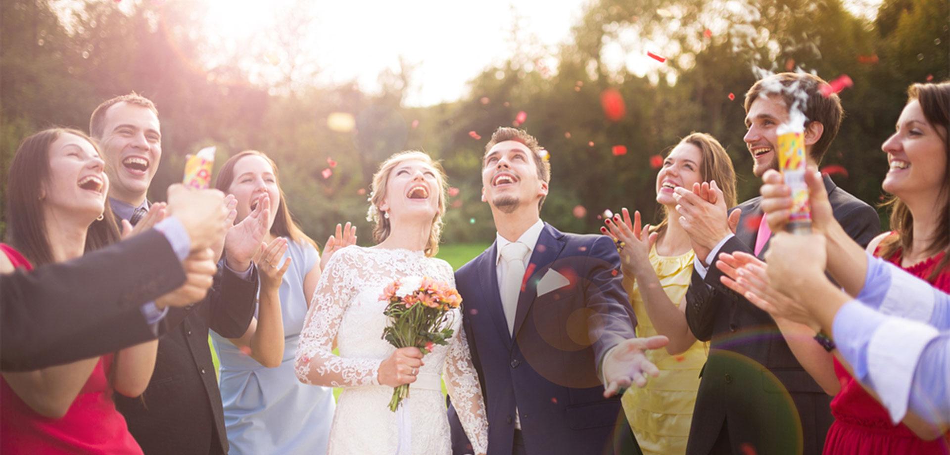 Оригинальное поздравление молодоженов на свадьбе